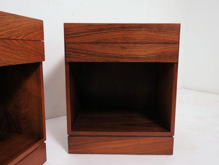 Scandinavian Modern Pair of Danish Rosewood Two-Drawer Nightstands by Arne Iversen Wahl for Vinde For Sale