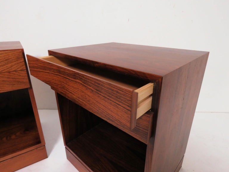 Pair of Danish Rosewood Two-Drawer Nightstands by Arne Iversen Wahl for Vinde For Sale 2