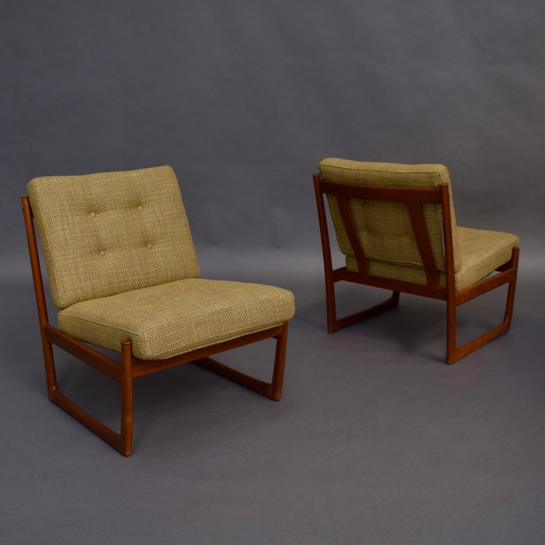 Scandinavian Modern Pair of Danish Teak Lounge Chairs by Peter Hvidt and Orla Mølgaard, circa 1960 For Sale