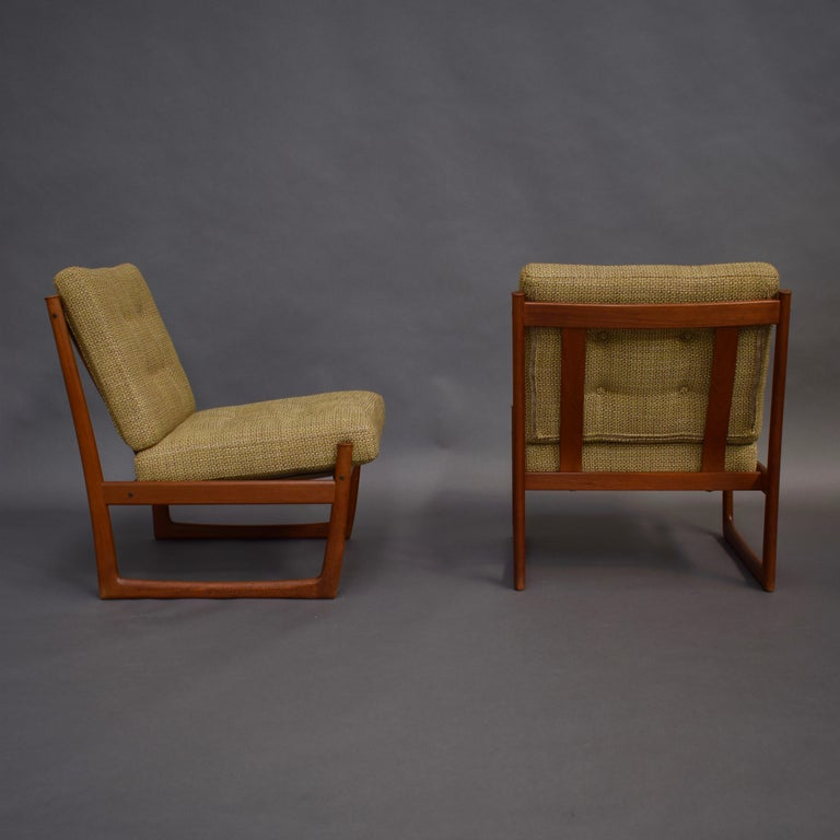 Pair of Danish Teak Lounge Chairs by Peter Hvidt and Orla Mølgaard, circa 1960 In Good Condition For Sale In Pijnacker, Zuid-Holland