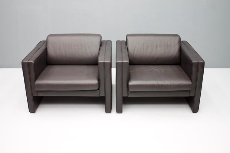 Mid-Century Modern Pair of Dark Blue Leather Lounge Chairs by Walter Knoll, 1975 For Sale