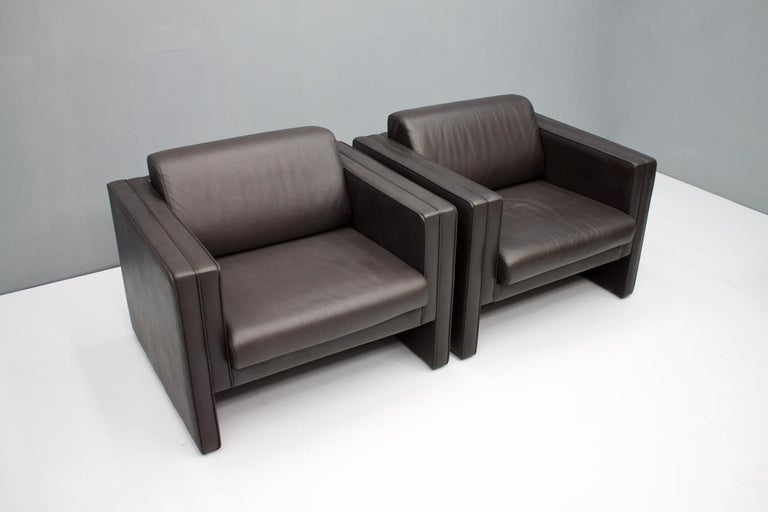 Late 20th Century Pair of Dark Blue Leather Lounge Chairs by Walter Knoll, 1975 For Sale