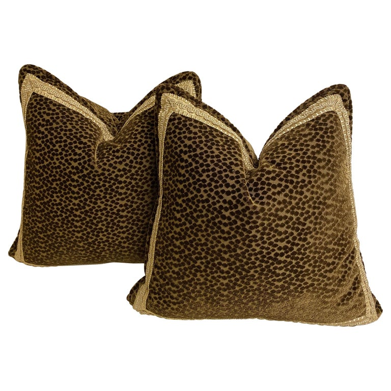 Pair of Dark Brown Cut-Velvet Cushions with Gold Trim For Sale