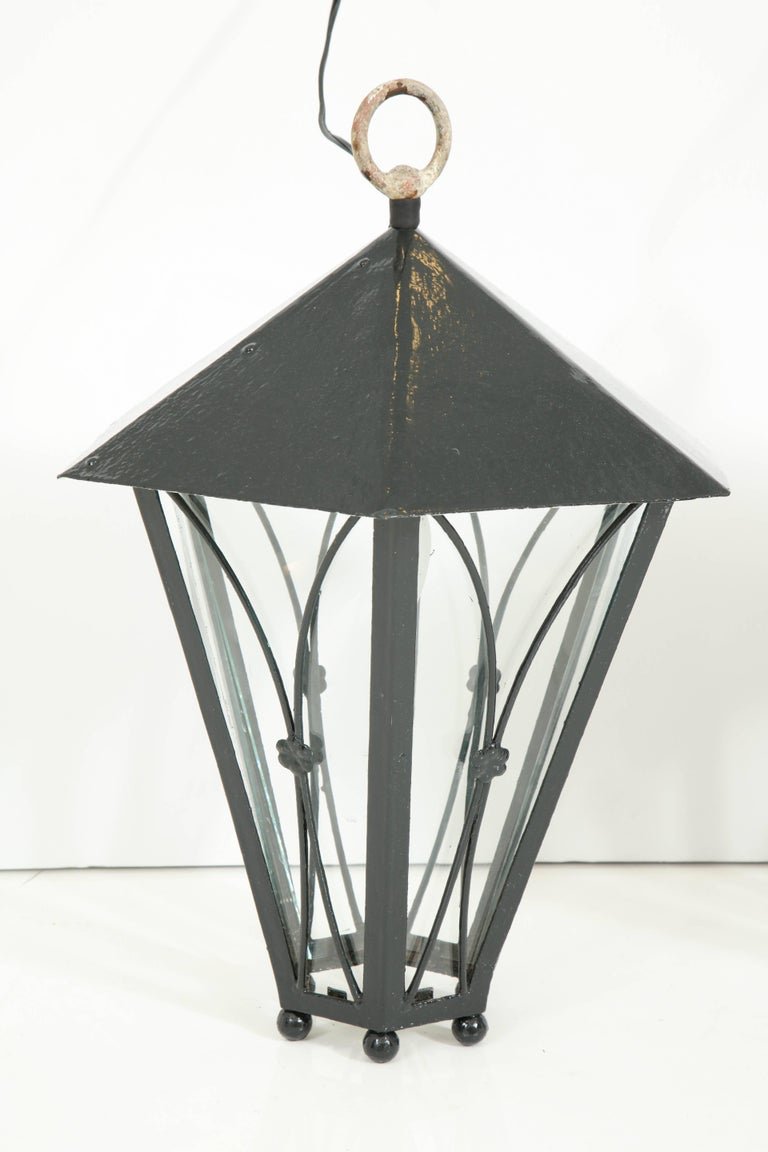 20th Century Pair of Dark Green Painted Lanterns For Sale