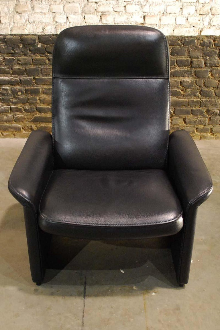 Pair of De Sede Black Leather Reclining DS50 Lounge Chairs, Switzerland, 1970s For Sale 6