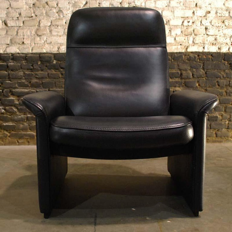 Pair of De Sede Black Leather Reclining DS50 Lounge Chairs, Switzerland, 1970s For Sale 7