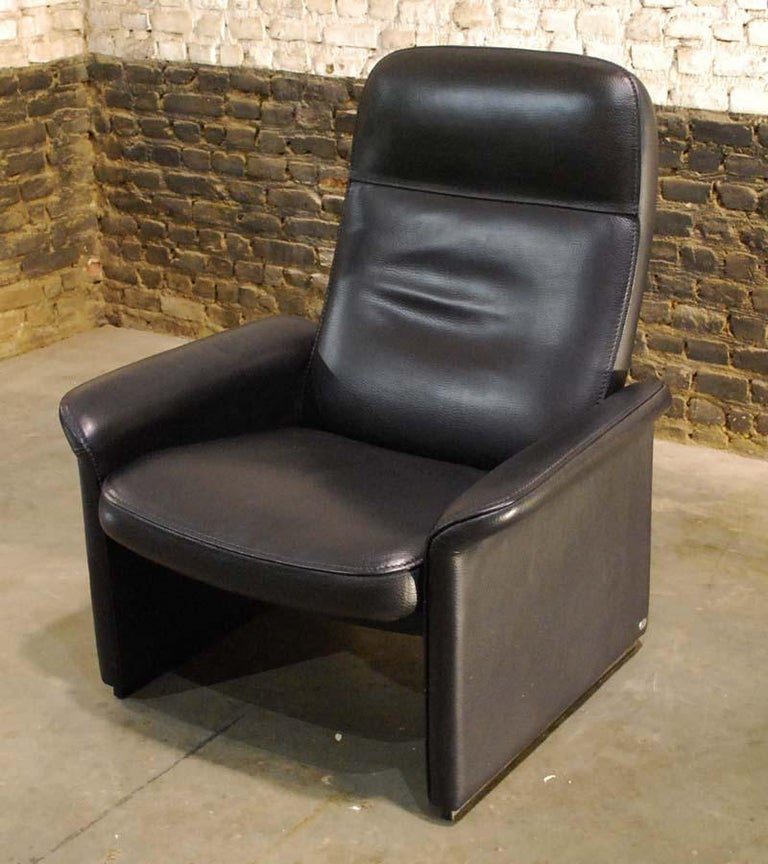 Pair of De Sede Black Leather Reclining DS50 Lounge Chairs, Switzerland, 1970s For Sale 8