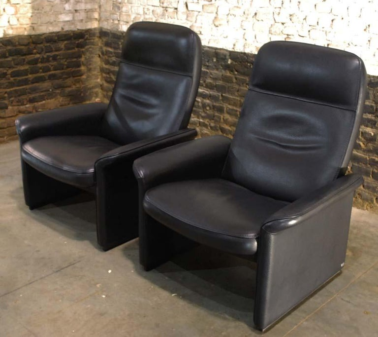 Swiss Pair of De Sede Black Leather Reclining DS50 Lounge Chairs, Switzerland, 1970s For Sale