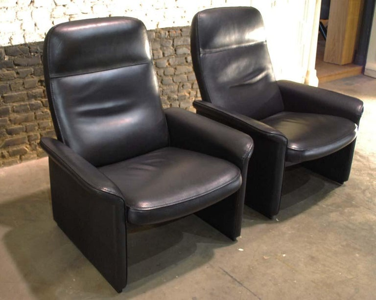 Pair of De Sede Black Leather Reclining DS50 Lounge Chairs, Switzerland, 1970s In Good Condition For Sale In Casteren, NL