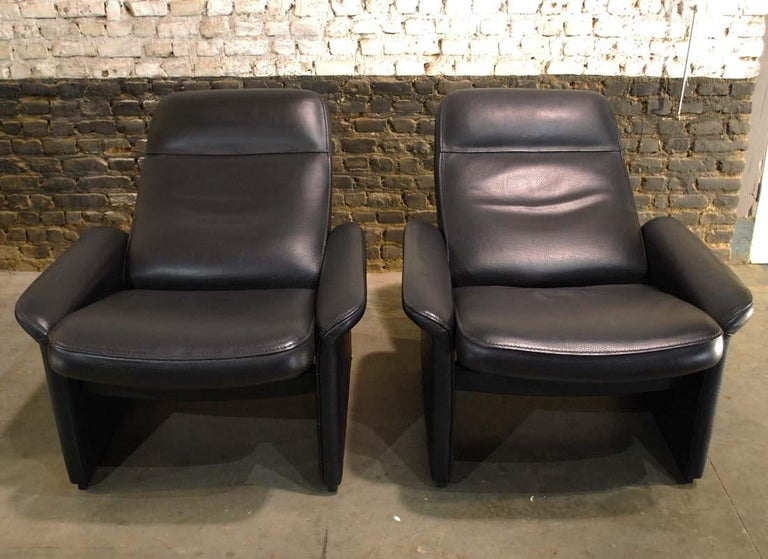 Late 20th Century Pair of De Sede Black Leather Reclining DS50 Lounge Chairs, Switzerland, 1970s For Sale