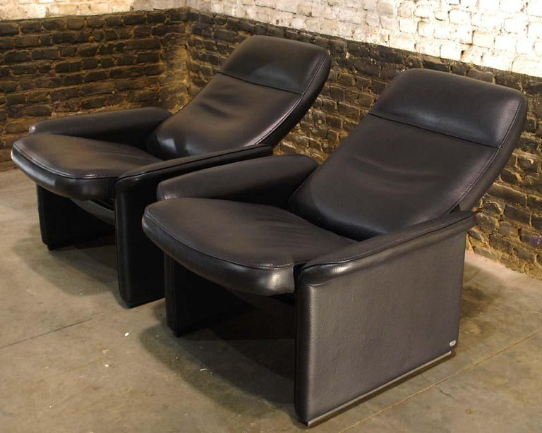 Pair of De Sede Black Leather Reclining DS50 Lounge Chairs, Switzerland, 1970s For Sale 1