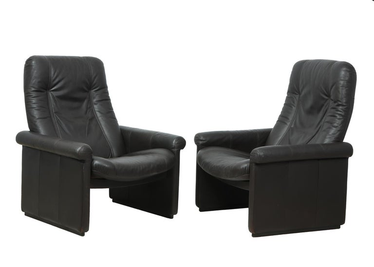 Mid-Century Modern Pair of De Sede DS50 Reclining Armchairs For Sale