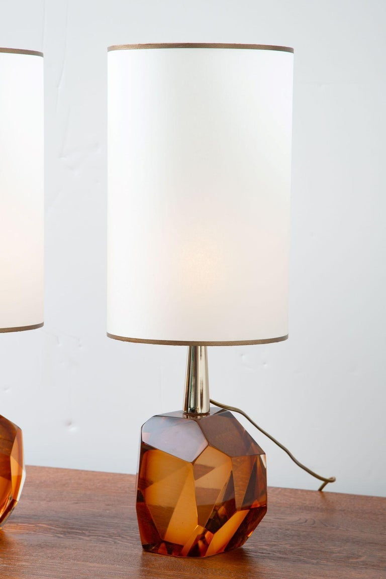 Pair of Diamond Amber Glass Table Lamps, in Stock In Excellent Condition For Sale In Miami, FL