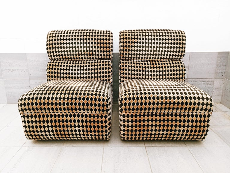 Pair of Diamond Easy Chairs, France, 1970s For Sale 1