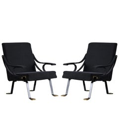 Pair of 'Digamma' Chairs by Santa & Cole