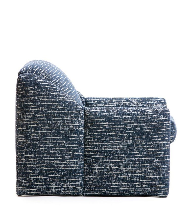 Pair of Directional Sculptural Lounge Chairs in Blue & White Knoll Fabric  For Sale 3