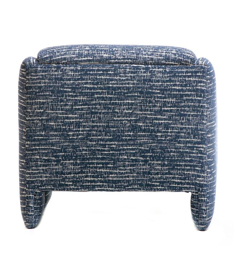 Pair of Directional Sculptural Lounge Chairs in Blue & White Knoll Fabric  For Sale 5