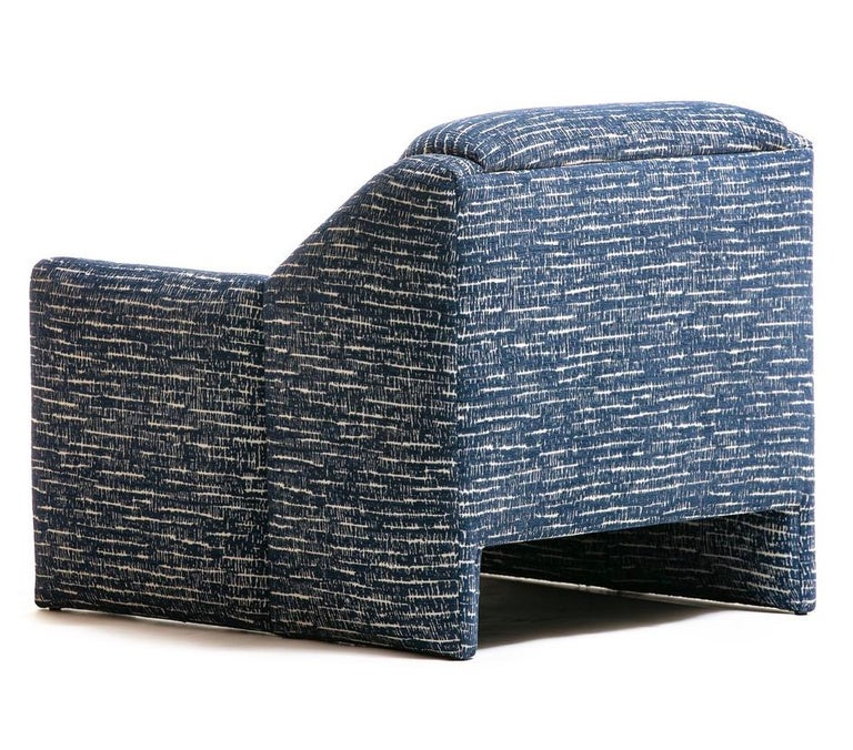 Pair of Directional Sculptural Lounge Chairs in Blue & White Knoll Fabric  For Sale 6