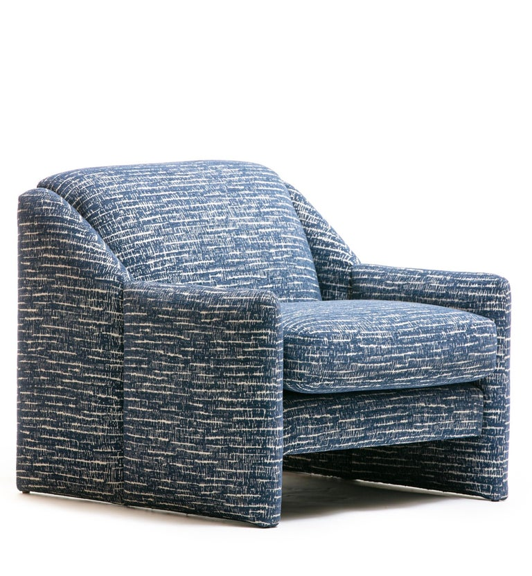 Pair of Directional Sculptural Lounge Chairs in Blue & White Knoll Fabric  For Sale 2