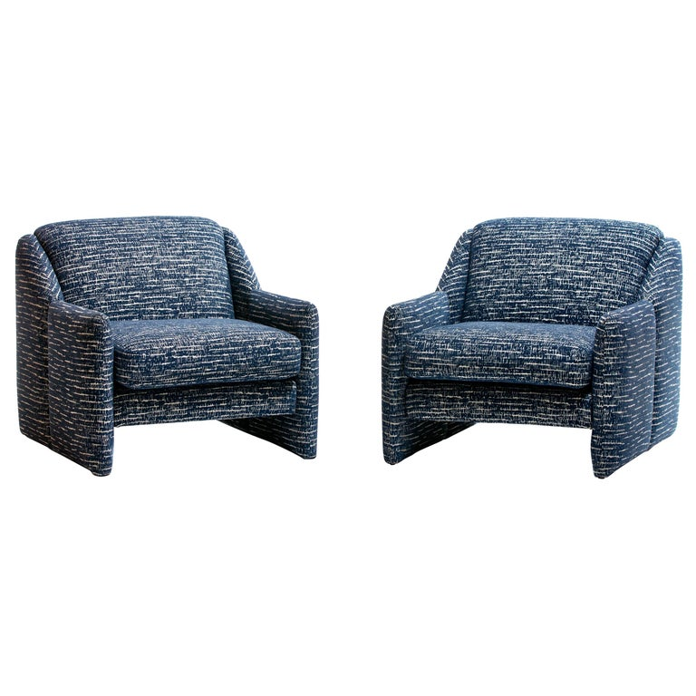 Pair of Directional Sculptural Lounge Chairs in Blue & White Knoll Fabric  For Sale