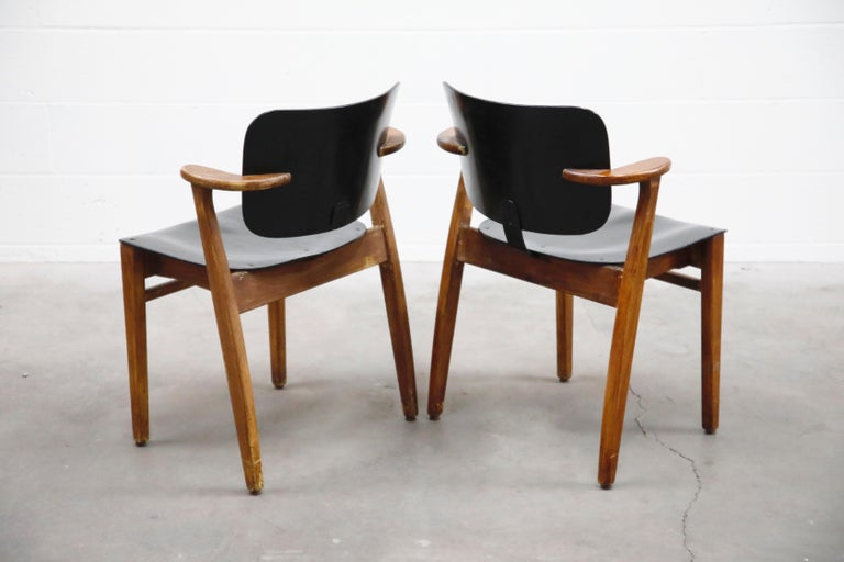 Pair of 'Domus' Armchairs by Ilmari Tapiovaara, circa 1947, Finland In Good Condition For Sale In Los Angeles, CA