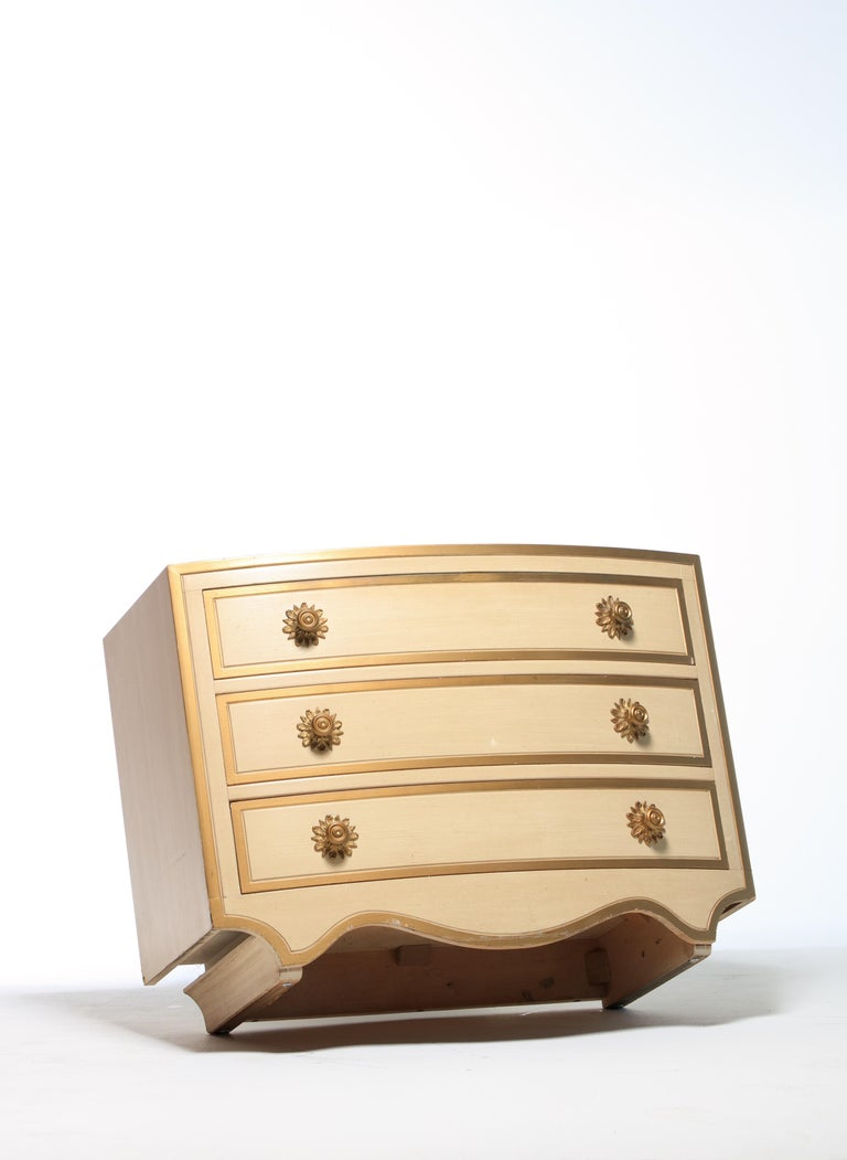 Pair of Dorothy Draper Viennese Collection Chests, circa 1963 In Good Condition For Sale In Saint Louis, MO