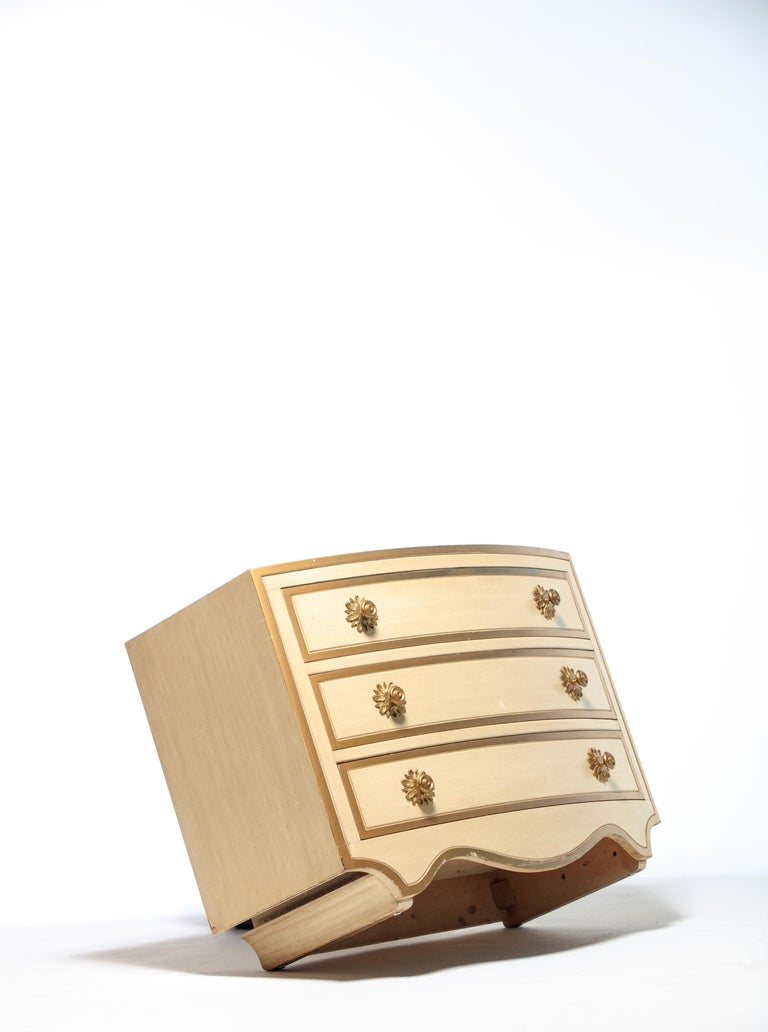 Pair of Dorothy Draper Viennese Collection Chests, circa 1963 For Sale 1