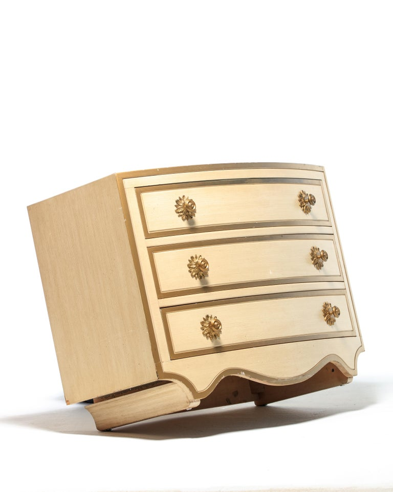 Pair of Dorothy Draper Viennese Collection Chests, circa 1963 For Sale 2