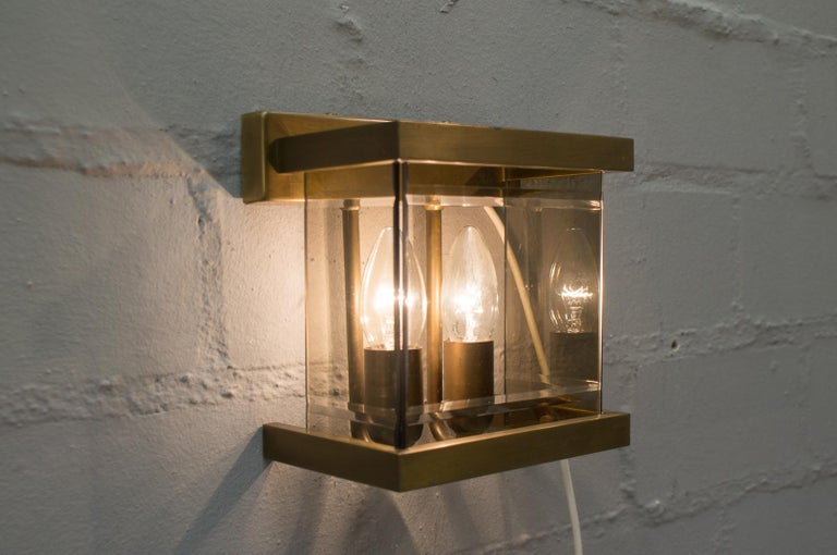 The lamps are executed with E14 Edison screw fit bulbs.   It is wired, and in working condition. It runs both on 110 / 230 volt.