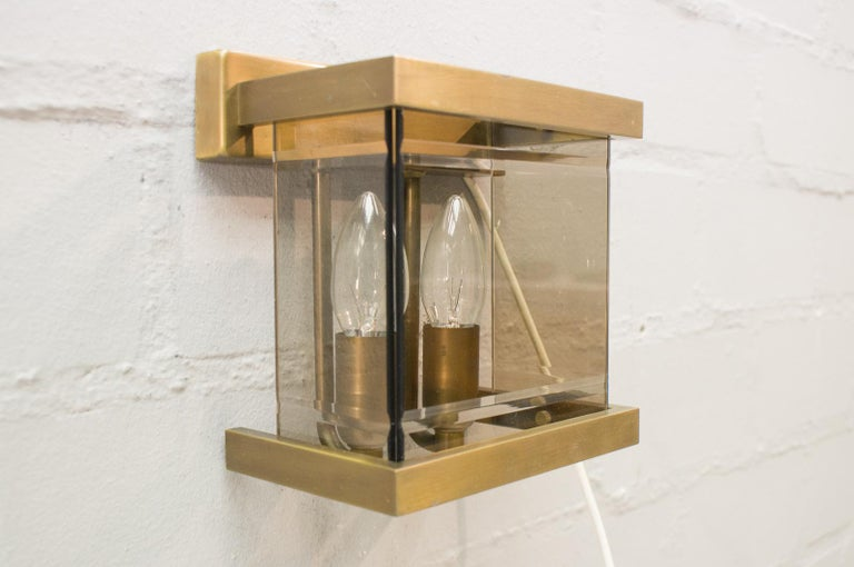 Pair of Double Brass and Smoked Glass Wall Lights by WKR, Germany, 1970s In Good Condition For Sale In Nürnberg, Bayern
