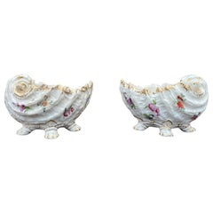 Pair of Dresden Serving Dish with Gilt Base, 19th Century
