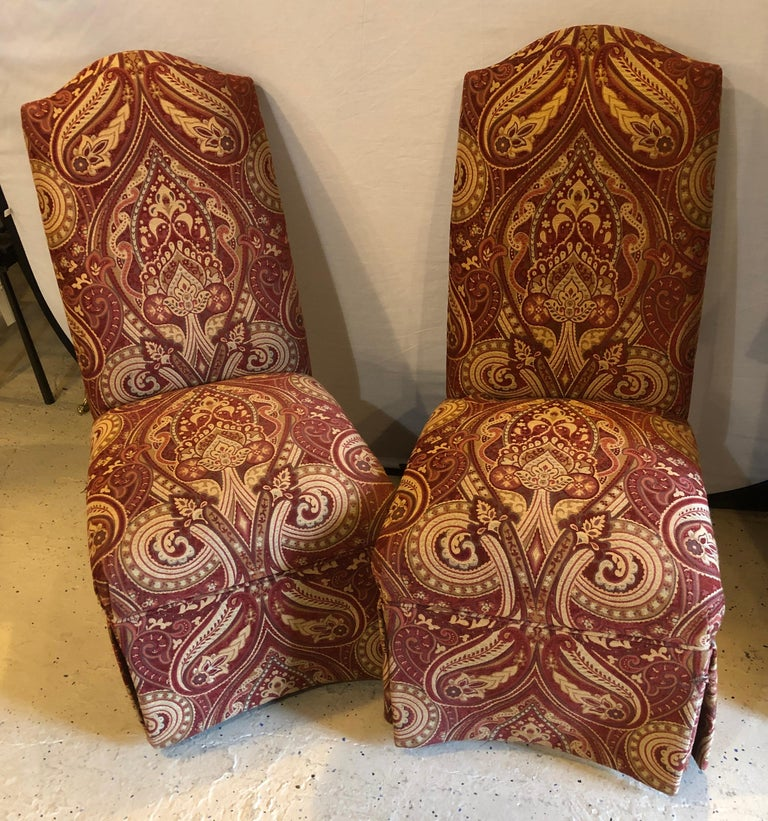American Classical Pair of Drexel Side Office or Desk Chairs in a Fine Upholstery For Sale