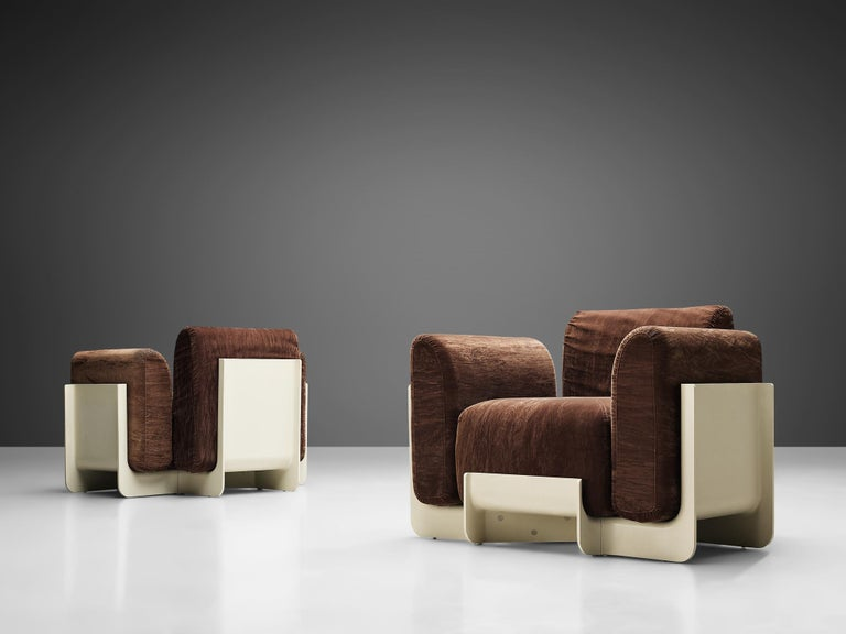 Emilo Guarnacci, Felix Padovano, Claudio Vagnoni for Uno Pi, pair of armchairs, model Duna, polyurethane, brown fabric upholstery, Italy, 1969