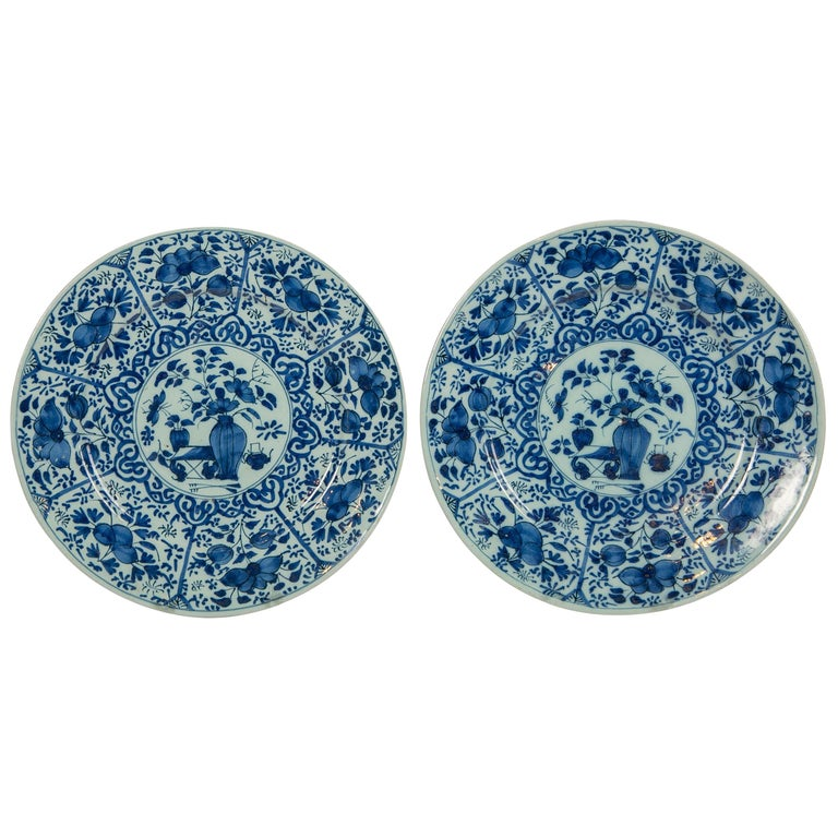Pair of Dutch Delft Blue and White Pancake Plates Made 1705-1725 For Sale