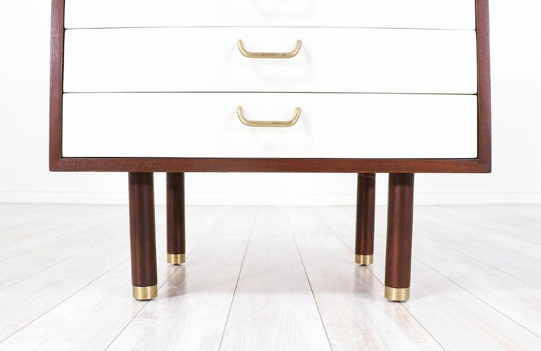 Pair of E. Gomme Two-Tone Lacquer Nightstands for G-Plan For Sale 3