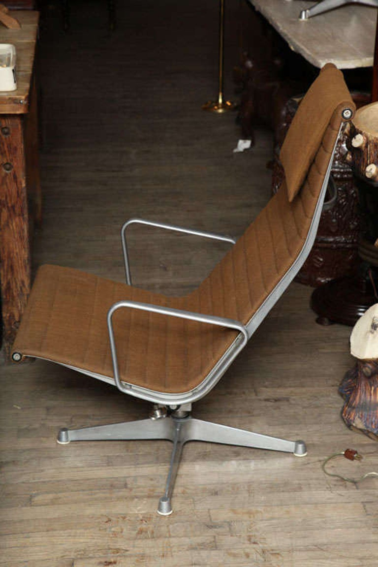 American Pair of Eames Aluminum Group Chairs
