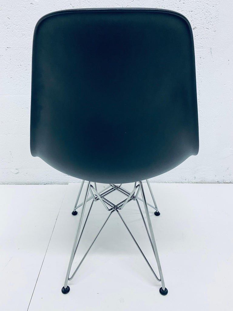 Pair of Eames Black Molded Plastic Side Chair for Herman Miller For Sale 5