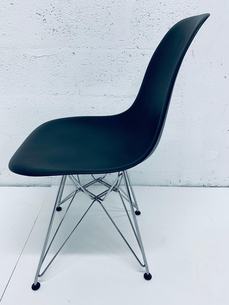 Pair of Eames Black Molded Plastic Side Chair for Herman Miller For Sale 6