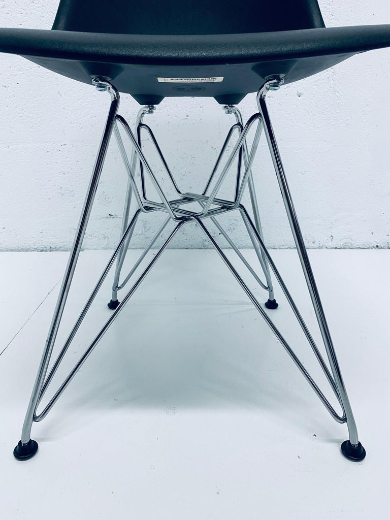 Pair of Eames Black Molded Plastic Side Chair for Herman Miller For Sale 7