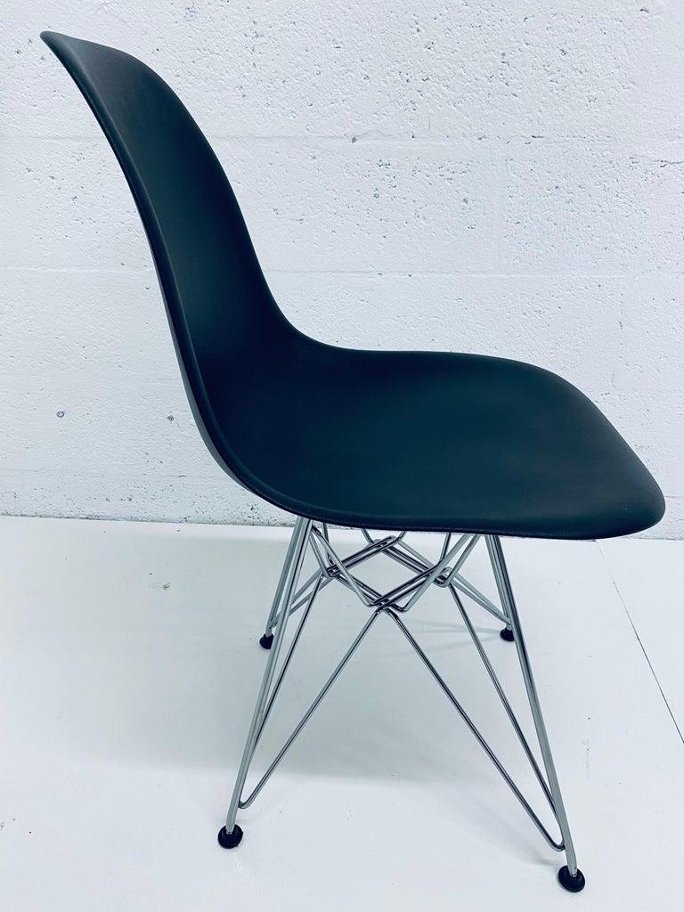 Chrome Pair of Eames Black Molded Plastic Side Chair for Herman Miller For Sale