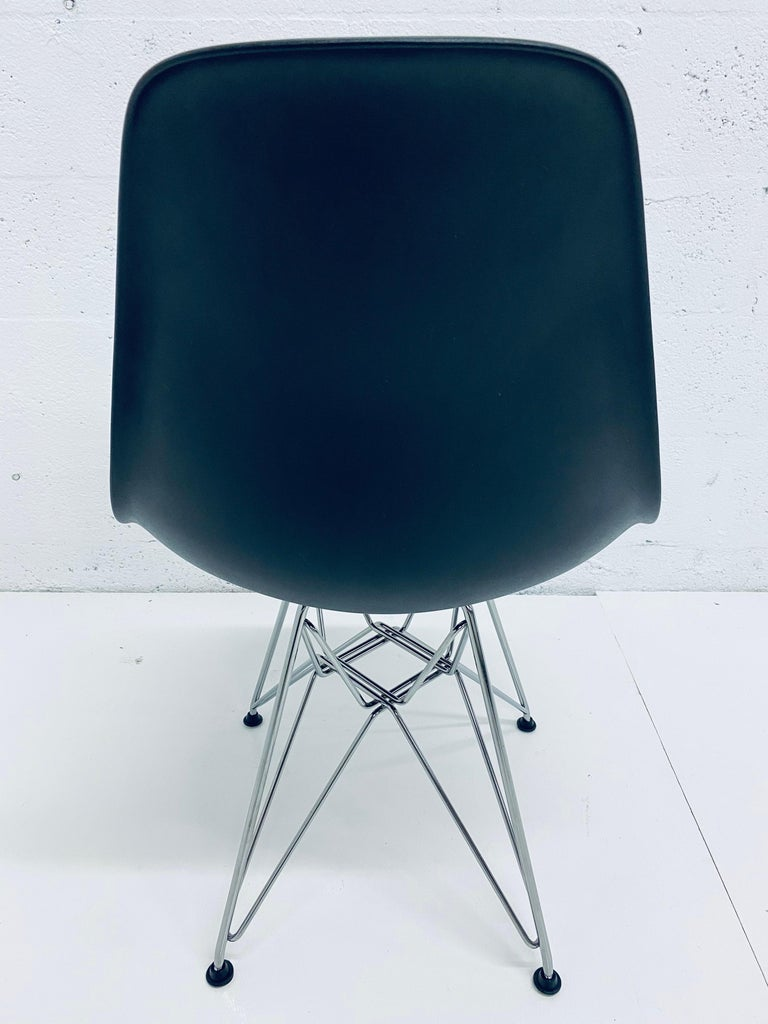 Pair of Eames Black Molded Plastic Side Chair for Herman Miller For Sale 1