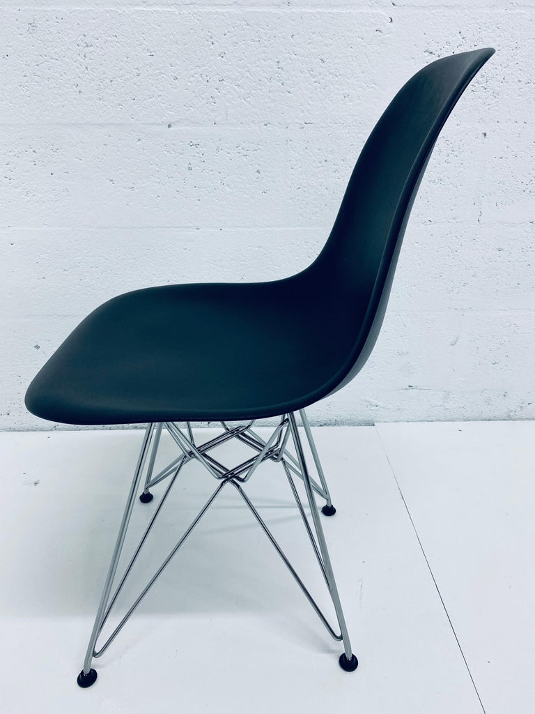 Pair of Eames Black Molded Plastic Side Chair for Herman Miller For Sale 2