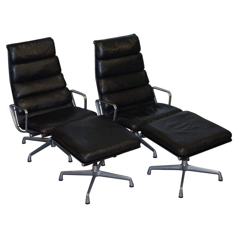 Pair of Eames EA 222 Herman Miller Leather Recliner Lounge Armchairs & Ottomans For Sale