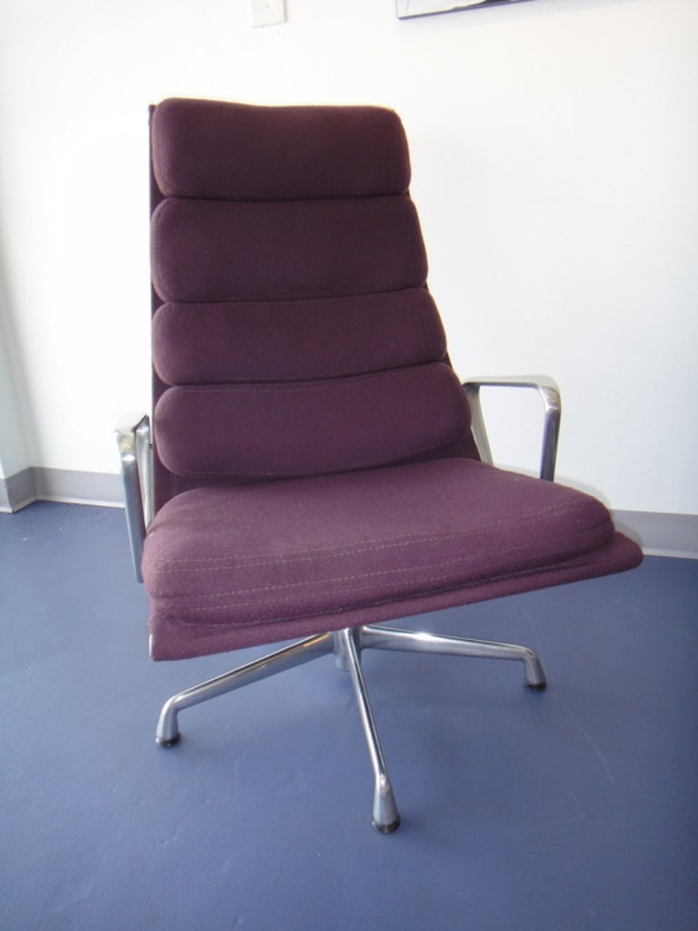 American Pair of Eames for Herman Miller Swivel Armchairs Original Purple Fabric  For Sale