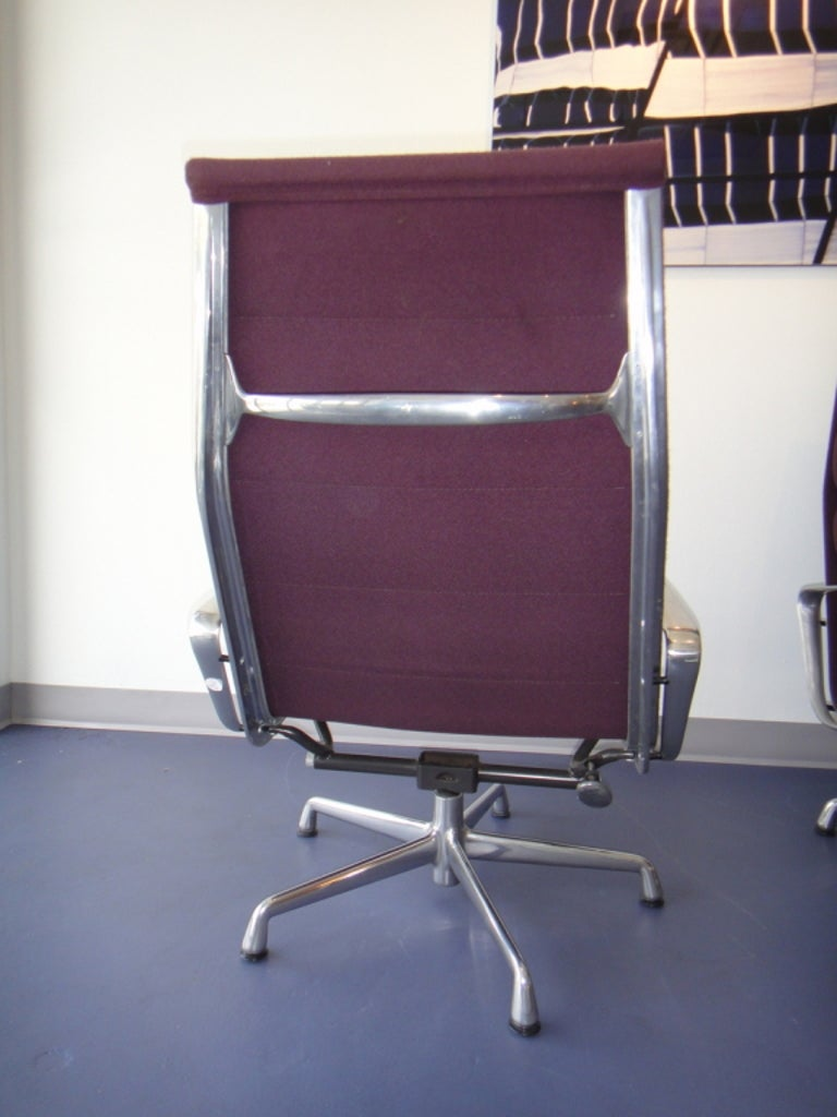 20th Century Pair of Eames for Herman Miller Swivel Armchairs Original Purple Fabric  For Sale