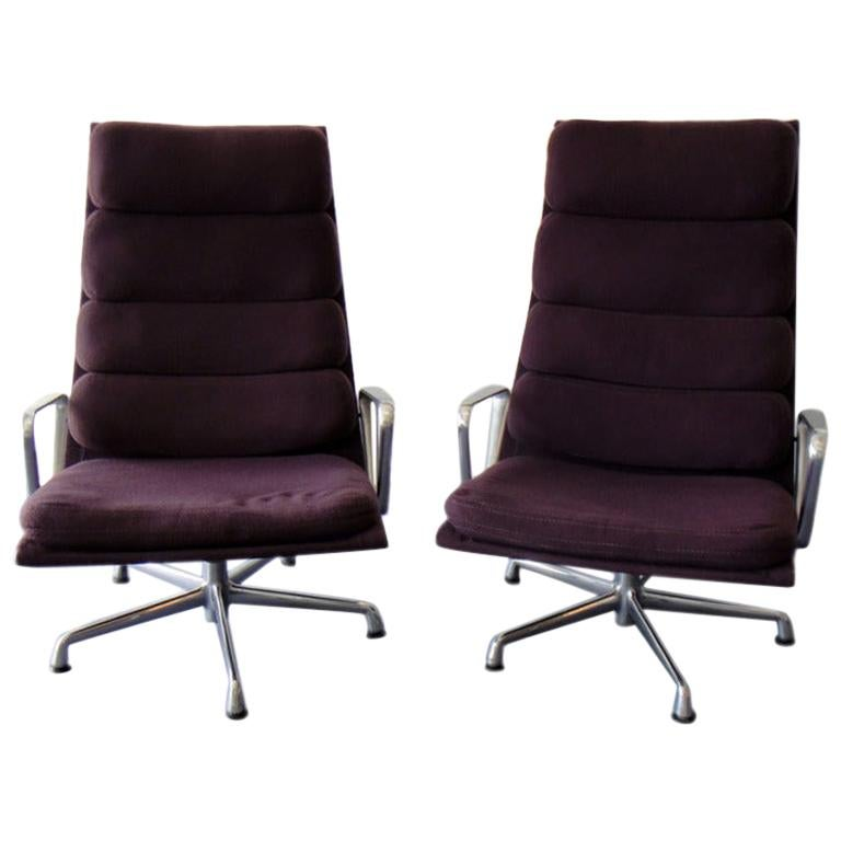 Pair of Eames for Herman Miller Swivel Armchairs Original Purple Fabric  For Sale