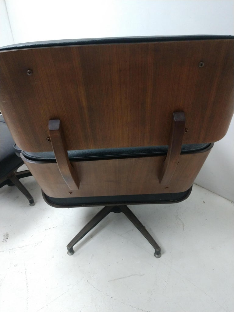 Pair of Mid Century Eames Style Lounge Chairs & Ottoman Selig For Sale 2