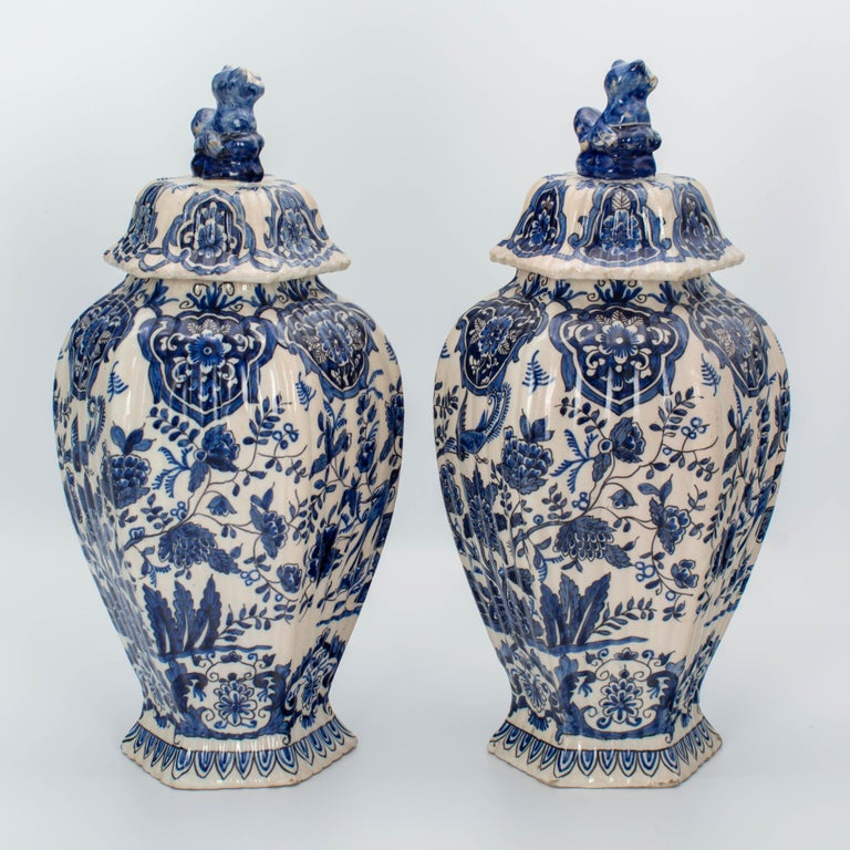 Pair of Early 18th Century Blue and White Delft Jars In Good Condition For Sale In Winter Park, FL