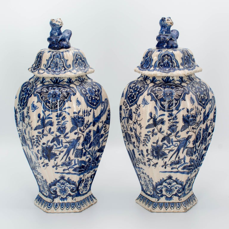 Faience Pair of Early 18th Century Blue and White Delft Jars For Sale
