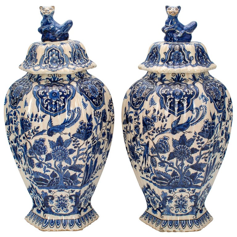 Pair of Early 18th Century Blue and White Delft Jars For Sale